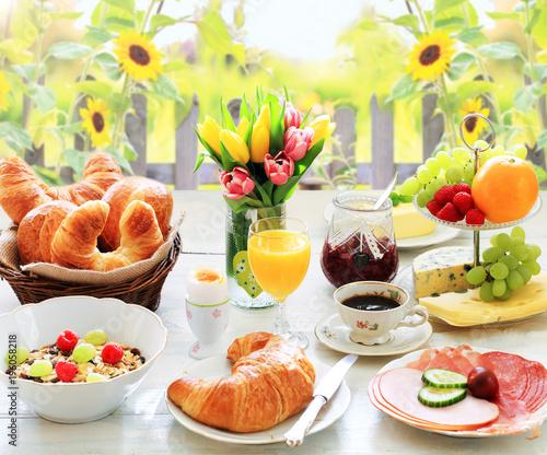 Superb Frühstück Im Garten