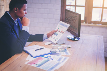 Business analysts business marketing plan to make investment decisions.