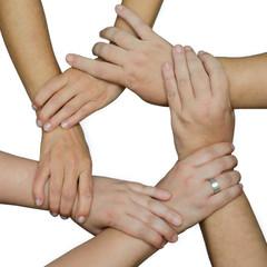 mani di donne unite in cerchio