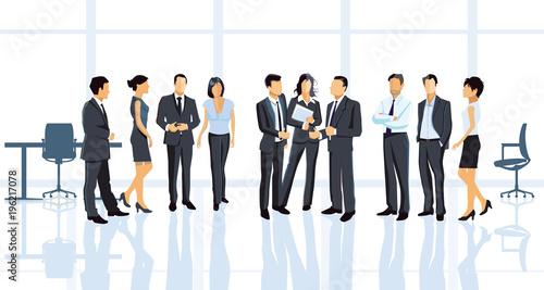 Geschäftsvereinbarung im Büro mit Geschäftsleuten\