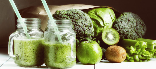 smoothies with vegetables. sports nutrition Papier Peint