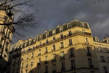 Maison de pierre ,  coucher du soleil Paris