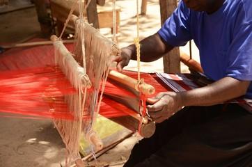 Tanje: Métier à tisser aux musée et village ethnographique (Gambie)
