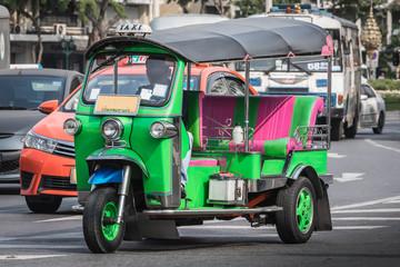 TukTuk auf der Straße in Bangkok - Thailand