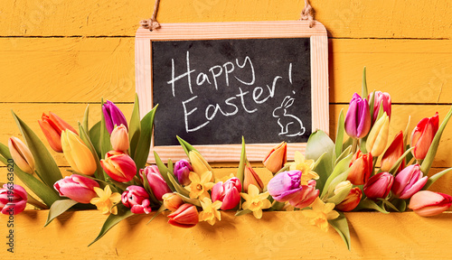 Happy Easter Holiday Greeting With Spring Flowers Stockfotos Und