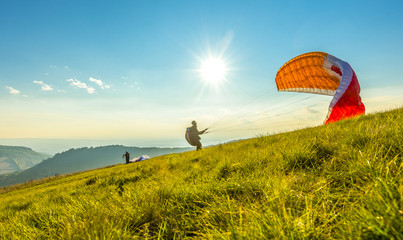 Photo sur Aluminium Aerien Paraglider on the ground