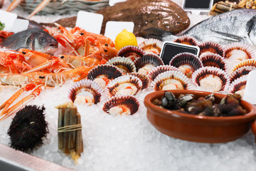 Seafoods on ice in showcase