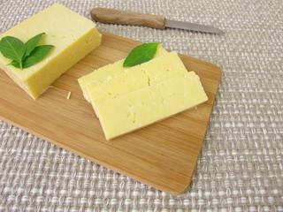 Cheddar Käse in Scheiben
