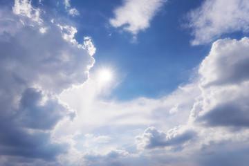 Malerischer Himmel mit Sonnenstern