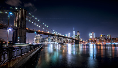 Brooklyn Bridge and New York skyline from Brooklyn (Panorama)