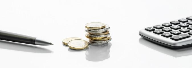 Finanzen - Taschenrechner, Stift & Euromünzen