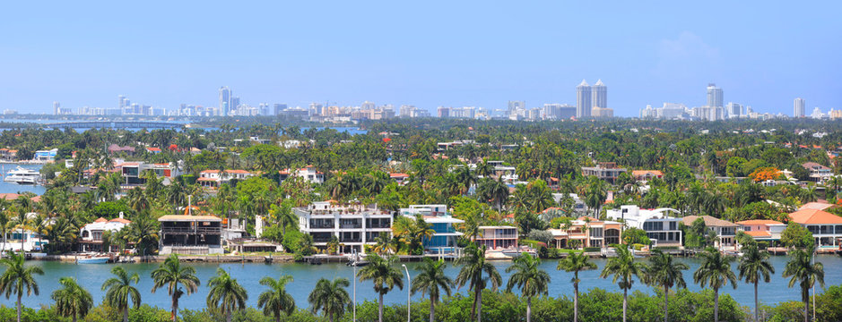 Panoramic view of Miami city from Ocean