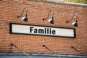 Schild 261 - Familie