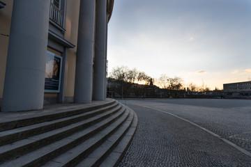 Theater in Saarbrücken im Sonnenuntergang