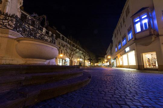 Innenstadt in Saarbrücken bei Nacht