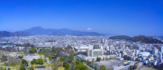 静岡市の駿府城公園と富士山(パノラマ)