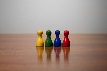 Toleranz, Kultur, Vielfalt, Zusammenhalt, Freunde, Akzeptanz, Glaube, Menschen, Hautfarbe, Religion, Unterschied, Rassismus, Team, Teamarbeit, Freundeskreis, Gespräch, Dialog, Teambuilding, Bunt links