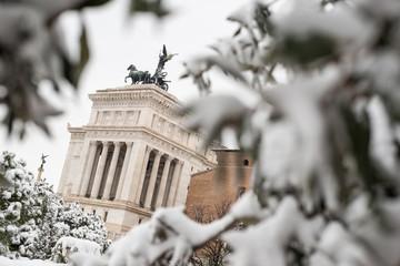 L' Altare della Patria di Piazza Venezia dopo la nevicata, Roma
