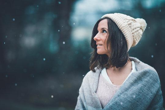 Portrait de femme sous la neige