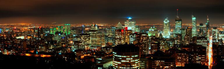 Panorama notturno della città di Montreal Wall mural
