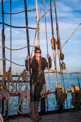 Femme sur la frégate de Port Saint-Louis-du-Rhône