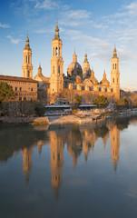 Foto op Plexiglas Berlijn Zaragoza - The cathedral Basilica del Pilar at dusk.