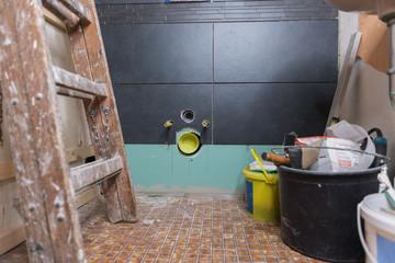 Baustelle einer Toiletten-Sanierung