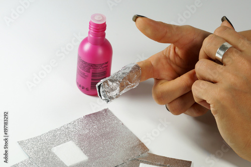 The Procedure For Removing Varnish From Nails Hybrid Varnish In