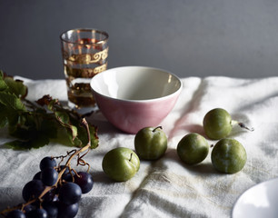 table , fruits et nappe en lin
