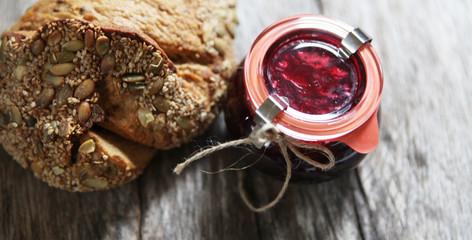 pain et confiture artisanal