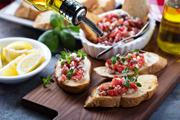 Roasted tomatoes bruschetta with thyme