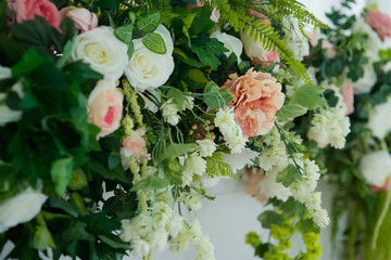 The composition of artificial flowers