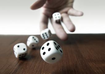 Würfel & Glücksspiel