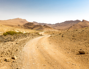 Fototapete - Desert road mountains ridge cliffs landscape view, Israel nature.