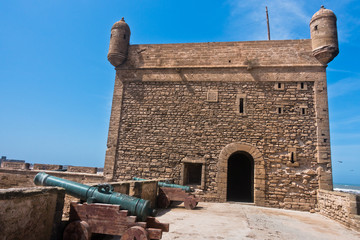 Old cannons on fortified walls in old Portuguese fortress Sqala du Port in Essaouira, Morocco, North Africa Fototapete