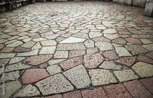 Pavimento Esterno In Pietra : Pavimento esterno in pietra porfido e ciottolo verona