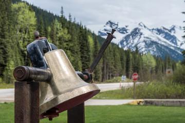 Kanada - Highway 1 Roger Pass Gedenkglocke