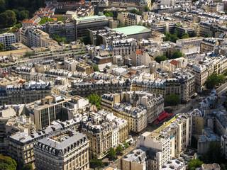 Blick auf Paris Straßen und Dächer