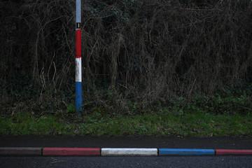 The Wider Image: Criss-crossing Irish border, Brexit threatens status quo