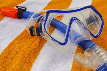 Mask and breathing tube for diving