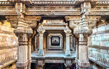 Fotomurales - Adalaj or Rudabai Stepwell in Adalaj village near Ahmedabad. Gujarat State of India