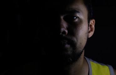 Auto retrato de luz e sombra