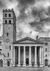 Fototapete - Facade of Temple of Minerva, iconic landmark in Assisi, Italy
