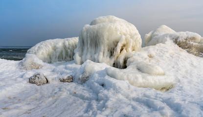 Eisschollen an der Ostsee