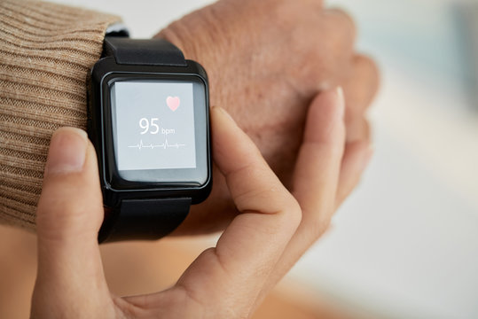 Checking Pulse with Smartwatch