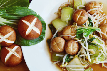 Sauted mixed vegetables in oyster sauce.