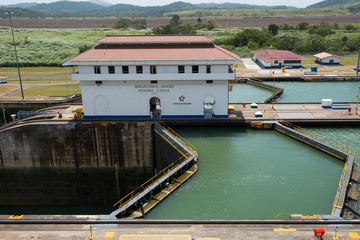 Fototapeten Kanal The Panama Canal, Miraflores Locks, Panama City