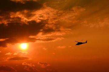 夕日 ヘリコプター
