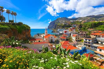 Beautiful panorama over the cityscape of Camara de Lobos in Madeira island, Portugal Fototapete
