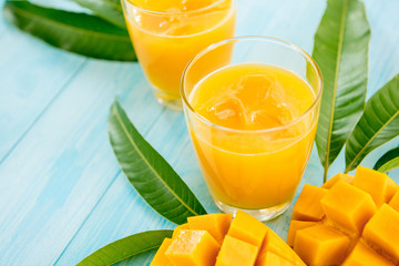Refreshing cold mango juice drinks for summer